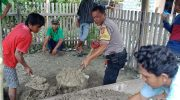 Bentuk Kepedulian, Bhabinkamtibmas Polsek Ampana Kota Bantu Proses Pemakaman Warga Binaannya